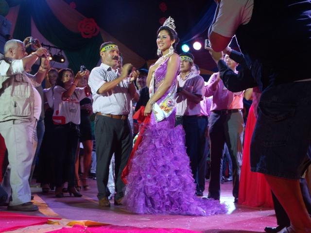 Photo of Rocio Dominica Valentina representante do Peru é a nova senhorita Confraternidad Amazônica 2013