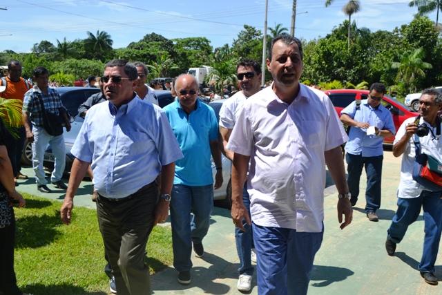 Photo of Governador do Amazonas vem à Tabatinga visitar obras do sistema viário e UPA