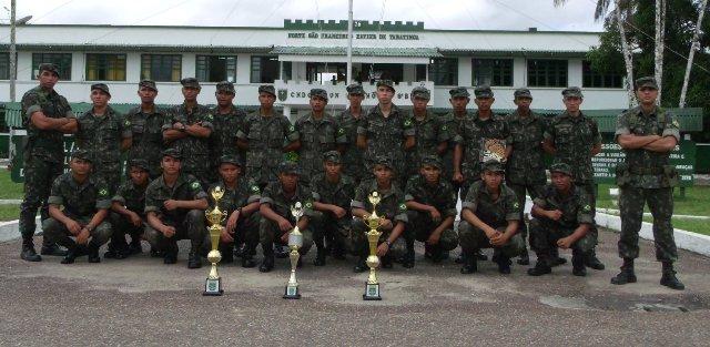 Foto de CFSol 8º Bis realizou Formatura de entrega do Gorro de Selva aos novos recrutas, e fez apresentação da Bandeira Nacional