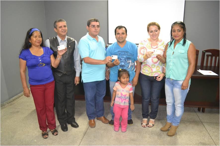 Foto de Prefeito assina termo para implantação do SINE em Tabatinga
