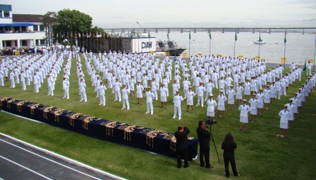 Photo of Marinha: Edital prevê mais vagas para médicos