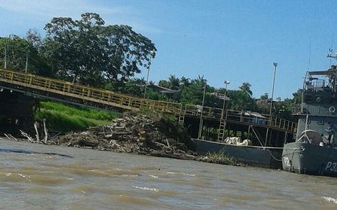 Porto-Tabatinga-passageiros-Situacao-Marinha_ACRIMA20141004_0003_15