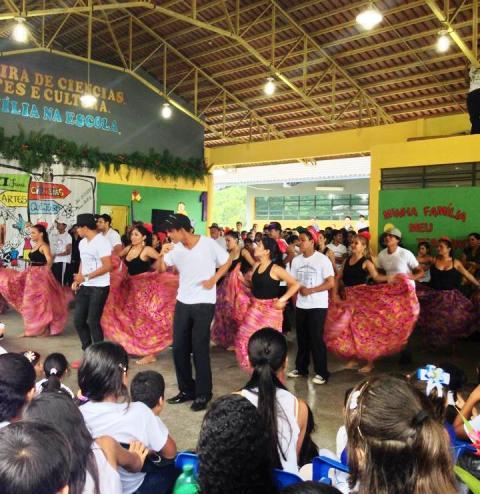 Foto de Escola Estadual Duque de Caxias realiza sua XI Feira de Ciências