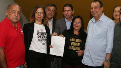 Foto de Debate sobre Previdência na ALE reúne políticos e líderes sindicais