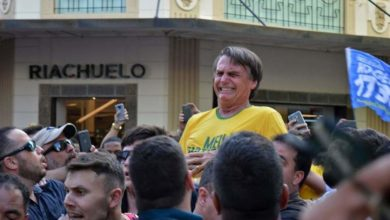 Foto de Bolsonaro não recorre e processo contra autor de facada é encerrado
