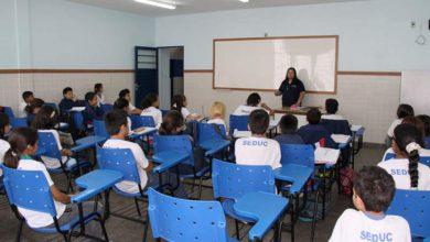 Photo of Alunos do Ensino Médio voltam às aulas contra posição de entidades de professores